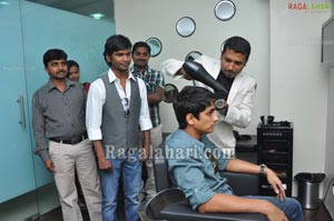 Siddarth Visits Snippers Saloon