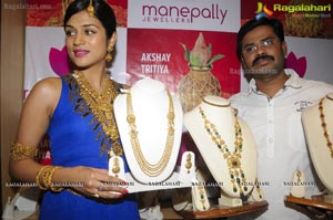 Shraddha Das launches New Range of Designer Jewellery  on the Occasion of Akshaya Tritiya at Manepally Jewellers