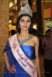 Indian Princess 2012 Winners at Worlds of Wonder Noida
