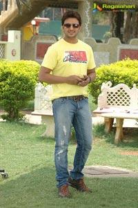 Raja, Nisha Shah