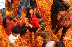La Tomatina The Spanish Festival At Jalavihar