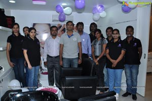 Tashu Kaushik launches Naturals Family Salon Attapur Photos