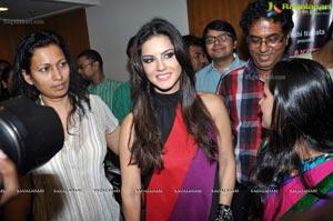 Sunny Leone promotes Akriti 2012 Exhibition/Sale, Hyderabad