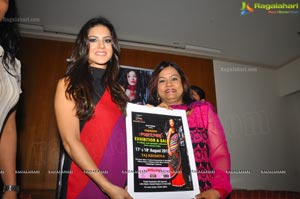 Sunny Leone promotes Akriti 2012 Exhibition/Sale, Hyderabad