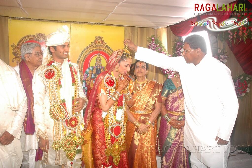 Sravanthi(D/O Jamuna) & Vijay Rahul Wedding Function
