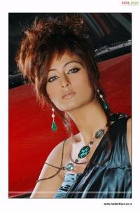 Sexy Kaveri Jha Portfolio Pictures