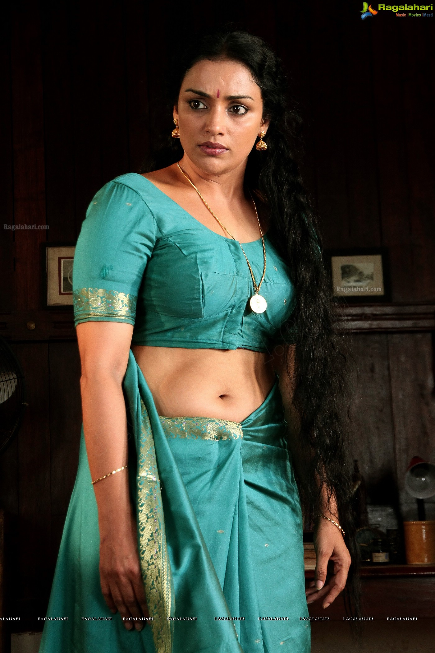 Swetha Menon Hot in Rathinirvedam HD HQ Wallpapers - Actress|Hot Pics|Wallpapers|Images|News ...