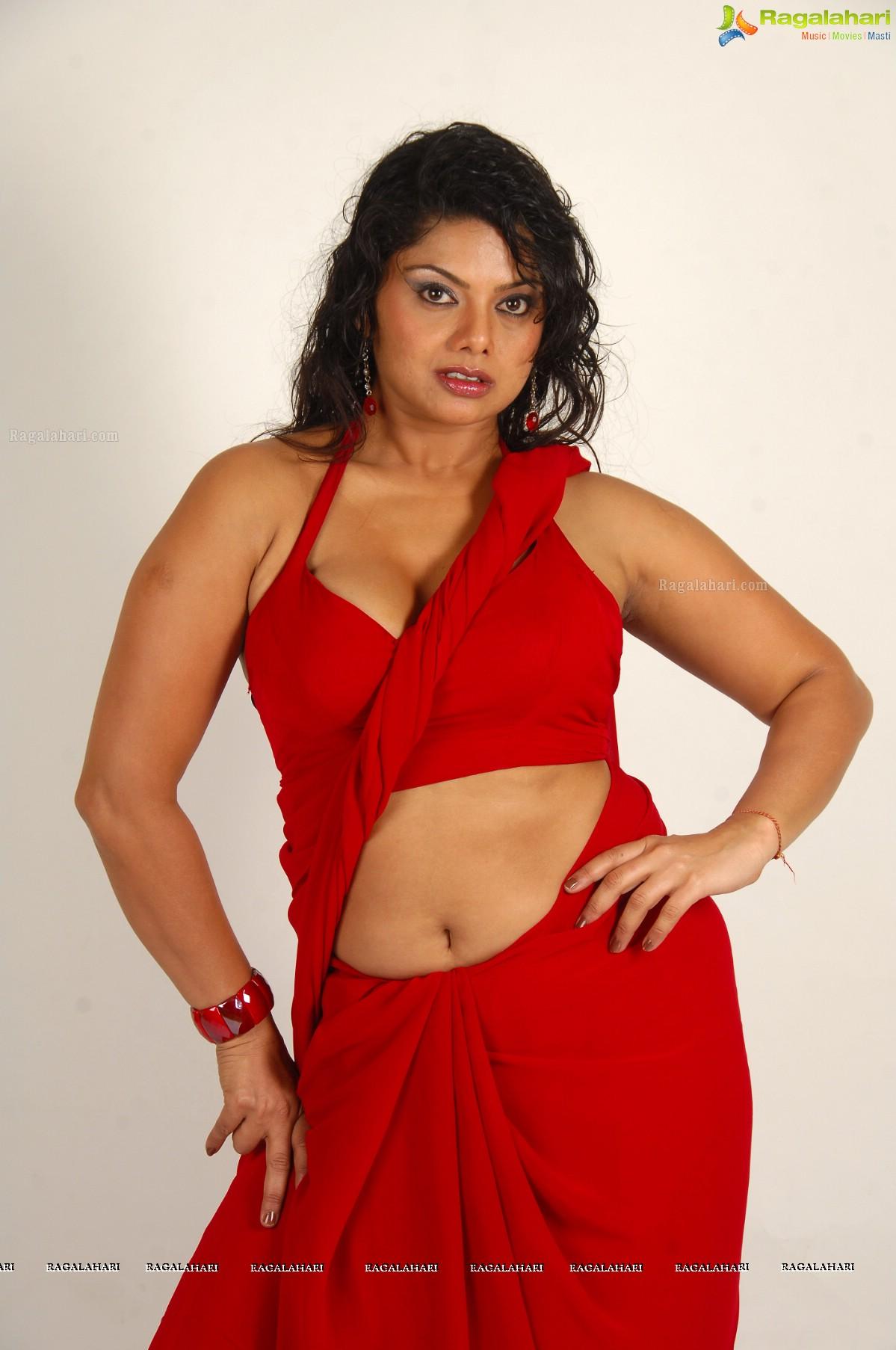 Archana Sexy Saree Removed 3gp Videos