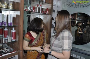 Jwala Gutta launches Colarz Beauty Studio, Hyderabad