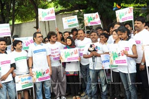 Niti Taylor, Tanish Mem Vayasuku Vacham Promotion Rally Photos