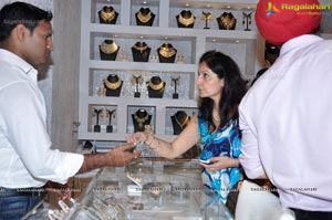 Minttu Sarna Hyderabad Jewel Studio Launch Photos