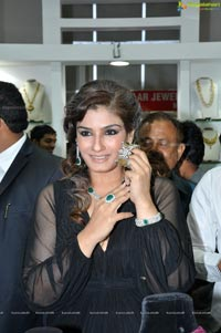 Raveena Tandon launches 8th HIGJE, Hyderabad