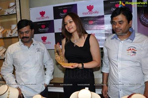 Jwala Gutta at Manepally Jewellers Hyderabad for Sravanam Collection Launch