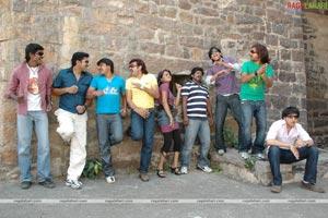 Sardar Patel,Suresh,Mahesh,Vinod,Vivek,RJ Raj,Gautham,Jayavardhan,Mounisha