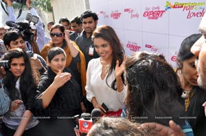 Asin Launches Fair and Lovely Expert Express