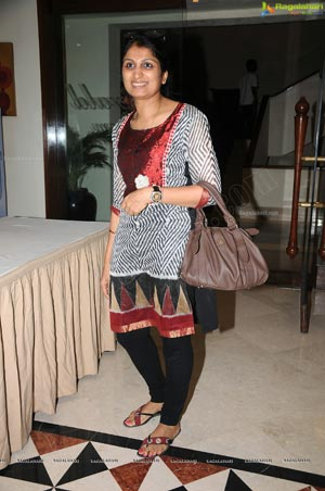Actress Faith lauches D'sire Exhibition n Sale, Hyderabad