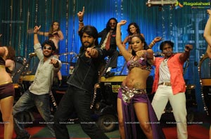 Hero Yash and Mumaith Khan's Item Song in Bhagyanagaram
