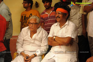 Kodi Ramakrishna Puttaparthi Saibaba Charitra working Stills