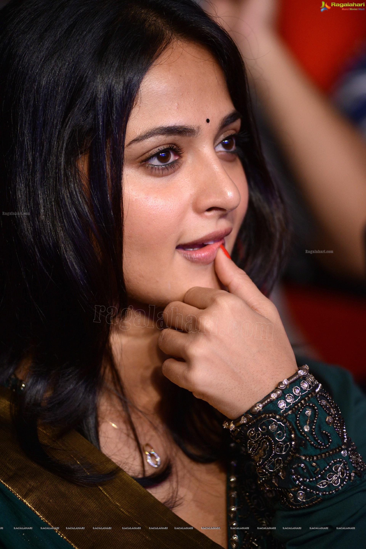 anushka shetty (hd) image 17 | tollywood heroines images,images