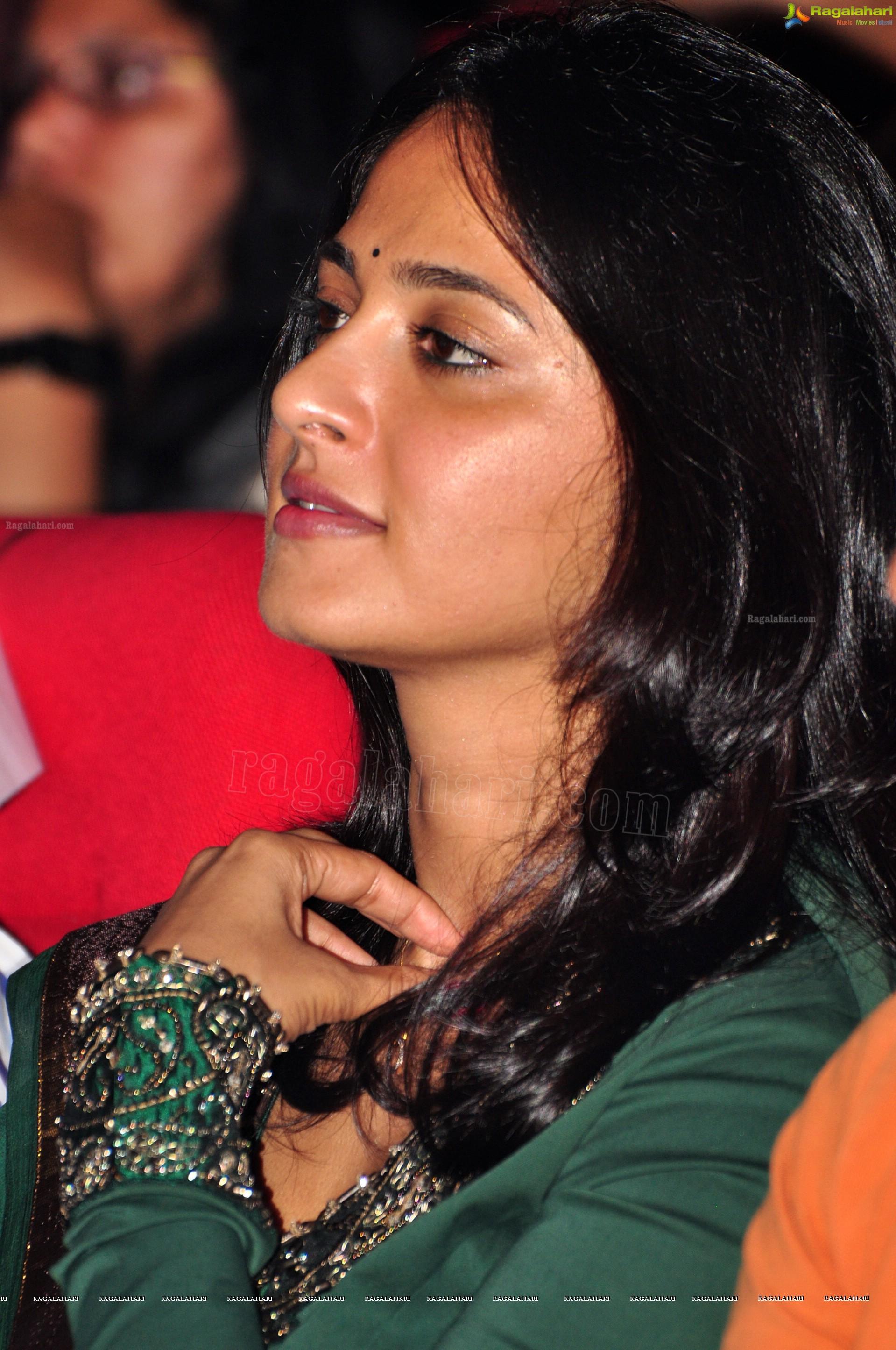anushka shetty (hd) image 77 | beautiful tollywood actress images