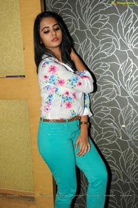 Romance Heroine Manasa