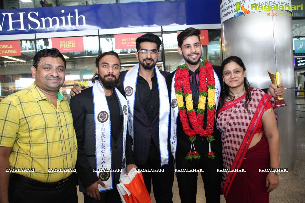 Photos starlife mr india 2k17 winners at shamshabad airport - Miton cucine forum ...