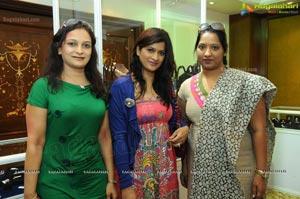 Shilpa Shirodkar Jewellery Art Exhibition