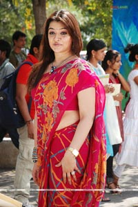 Aarti Agarwal Photo Gallery from Tajmahal