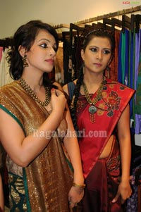 Models Display Akshaya Thtirhiya Collections at Sakhi Fashions