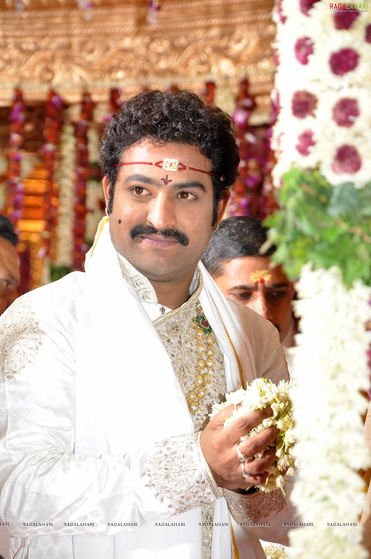 Prabhas Latest News - Latest Telugu Cinema News m Ntr marriage photos gallery