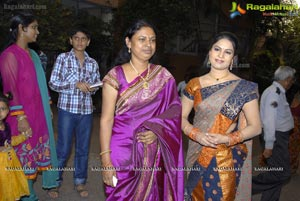 Chitralekha Launches Vastra Varanam Exhibition cum Sale at Satya Sai Nigamagamam