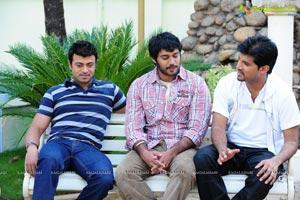 Akash, Keerthi Chawla, Riyaz Khan