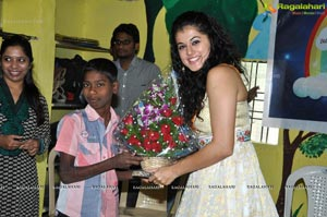 Red FM Taapsee Spread a Smile
