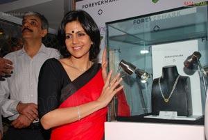 Mandira Bedi Showcases Forevermark Diamonds